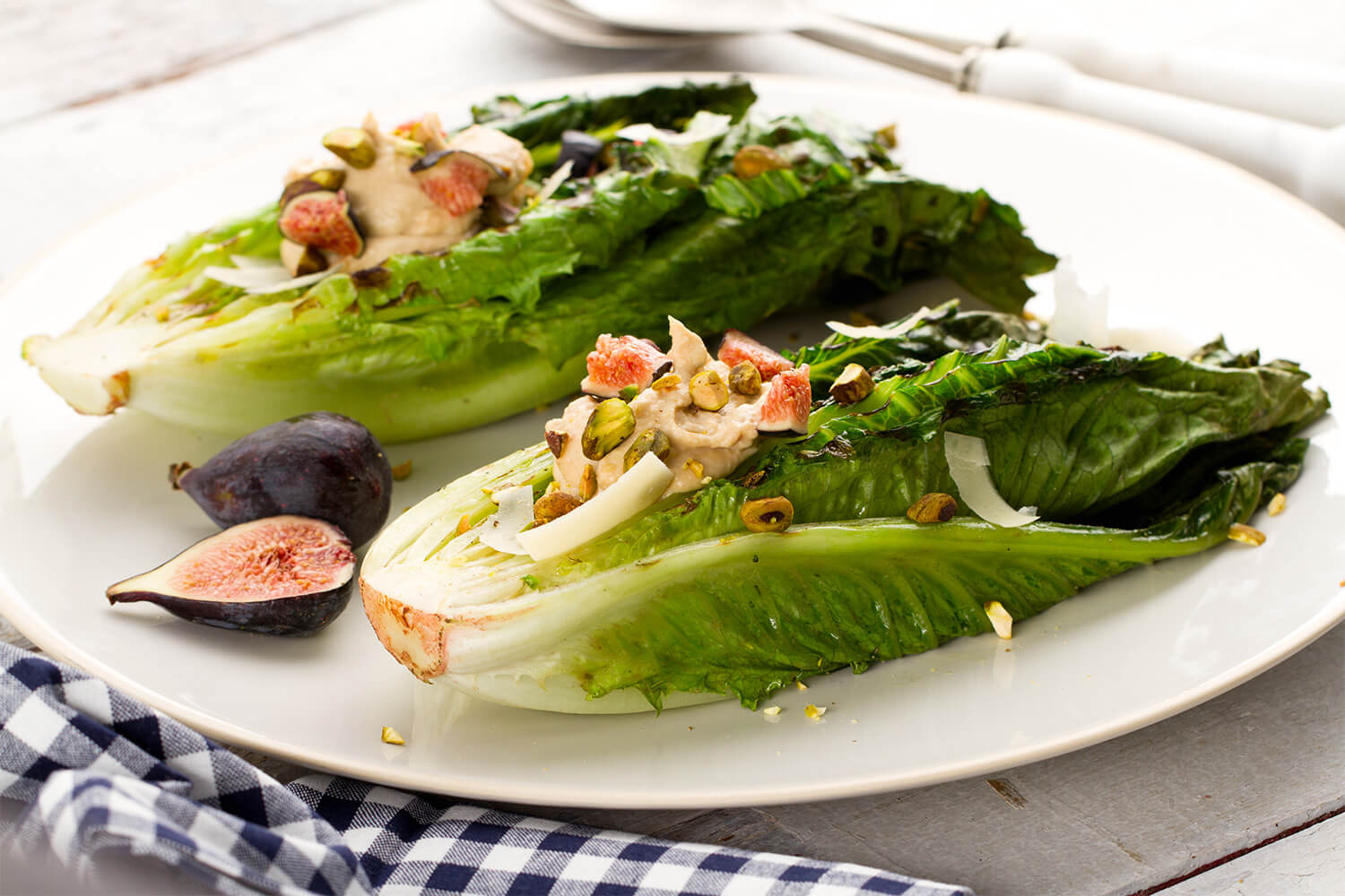 Grilled-Garlic-Romaine-Hearts.jpg